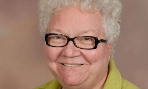 Everyday Heroes: Cedar Rapids woman provides 500 meals a month…