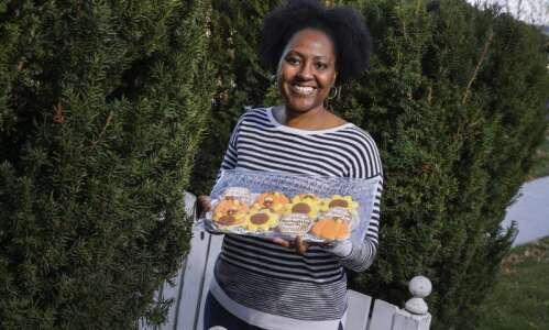 Cedar Rapids woman turns love of decorating cookies into business:…