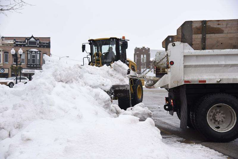 Monday storm forecast to drop up to a foot of snow