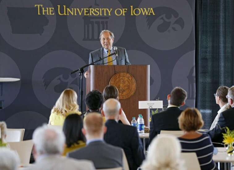University of Iowa President Harreld speaks up for tenure