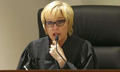 Iowa courts to add 4 judges, 17 clerks