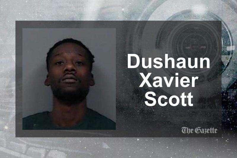 Man shot and injured 34-year-old man just before robbing Smokin' Joe's at gunpoint, police say