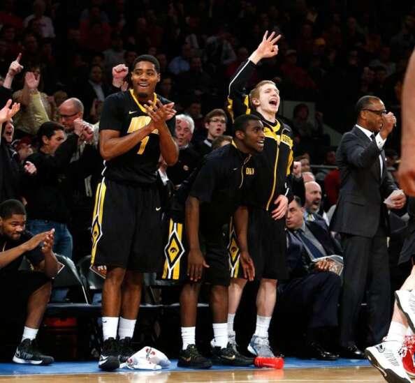 Iowa hoops enter way-too-early rankings