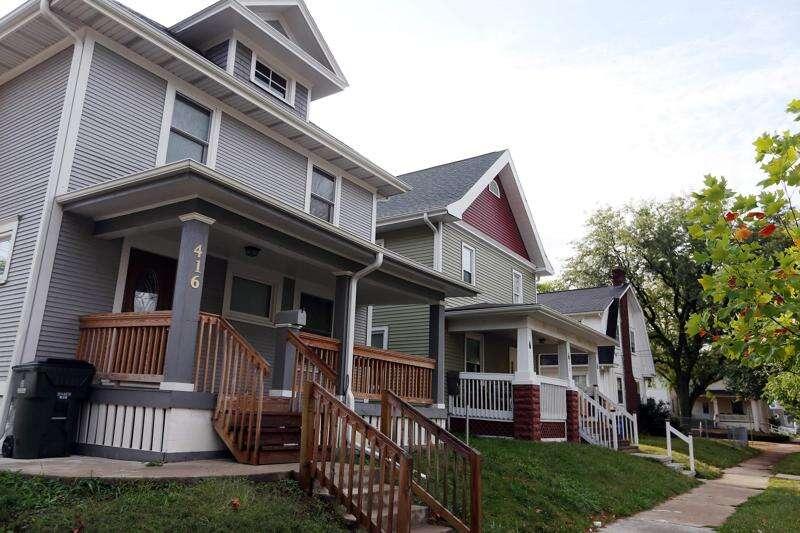 Report: 37 percent of Iowa households cannot meet basic needs