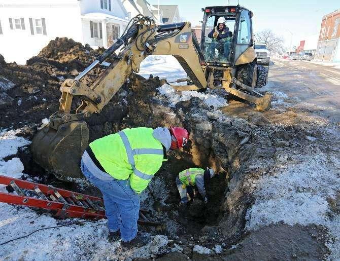 Frigid temperatures bringing frozen waterlines to many Eastern Iowa communities