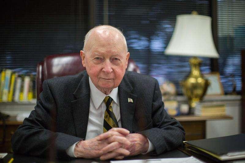 Philanthropy of Henry Tippie aids Belle Plaine, University of Iowa