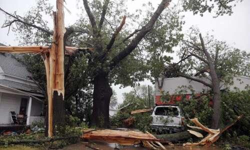 Cedar Rapids, Iowa City areas walloped by 100+ mph hurricane-force…