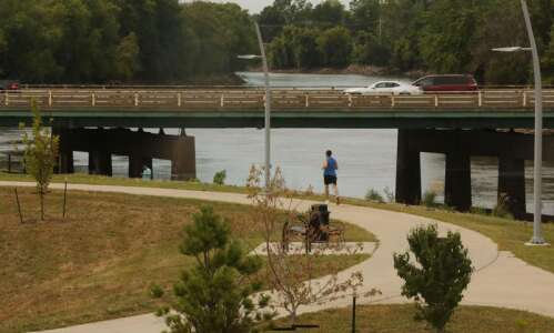 Iowa City trail closed at Highway 6 due to minor…