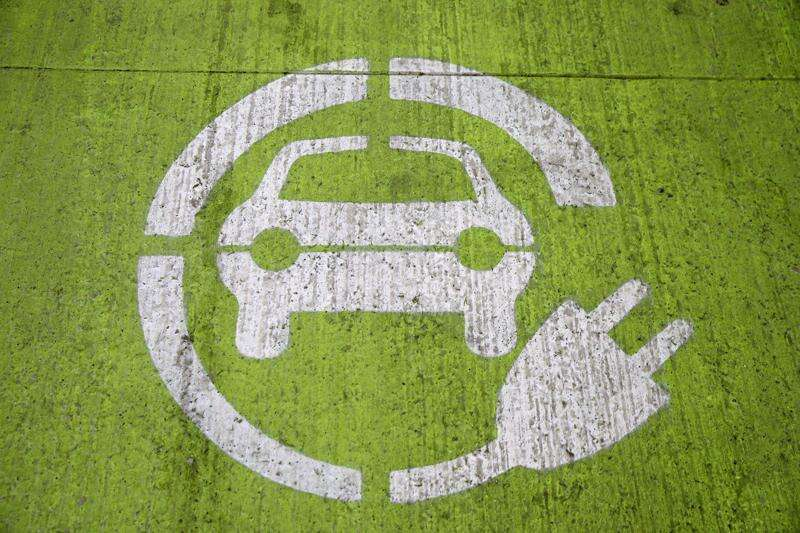 Iowa DOT proposes extra charges for electric vehicles