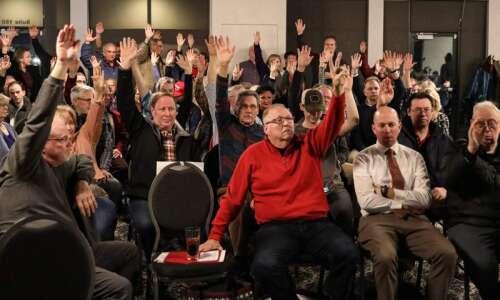 Top Iowa Republicans defend caucuses after Democratic miscues