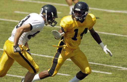 Defensive backs Buford, Campbell leave Iowa
