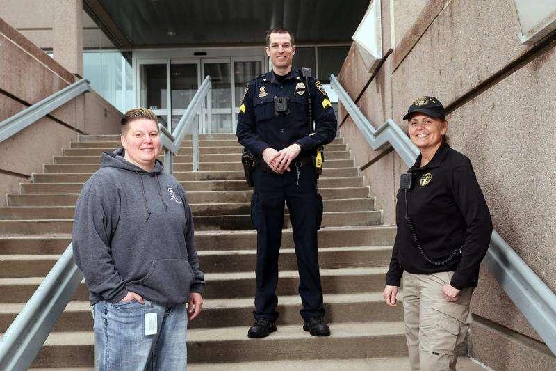 Cedar Rapids police expand program for responding to mental health calls