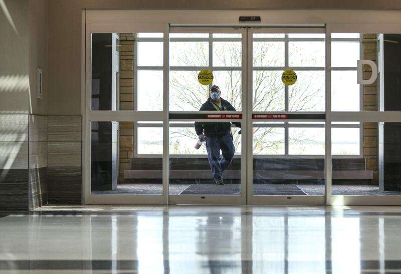 Cedar Rapids airport to survey travelers on safety plans