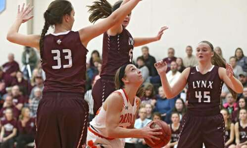 North Linn tops Springville in clash of top-ranked girls' basketball…