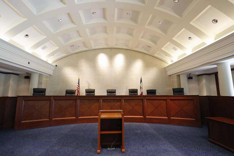 Gov. Kim Reynolds: State has 'strong case' in appeal of $1.5 million discrimination ruling against Gov. Branstad