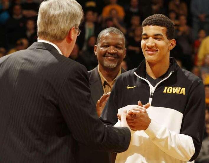 Iowa basketball player to leave program