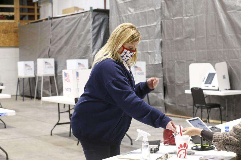 Most Iowa felons with newly restored rights haven't registered to vote