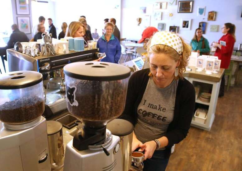 Cedar Rapids doughnut pop-up shop debuts on National Doughnut Day