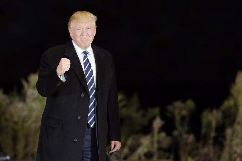 In Cedar Rapids, Trump says 'change you've been waiting for' just days away