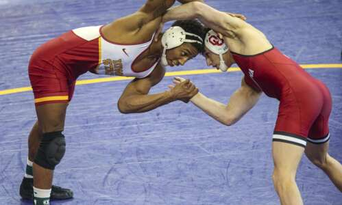 Iowa State's David Carr brings new moves, and a new…