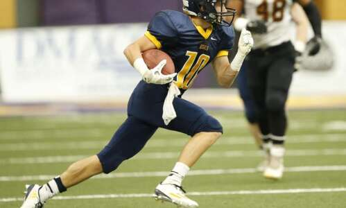 Big plays help Regina to early lead and semifinal victory