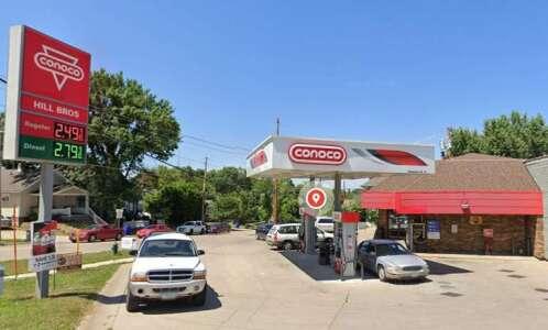 Hills Bros Conoco in SE Cedar Rapids robbed at gunpoint