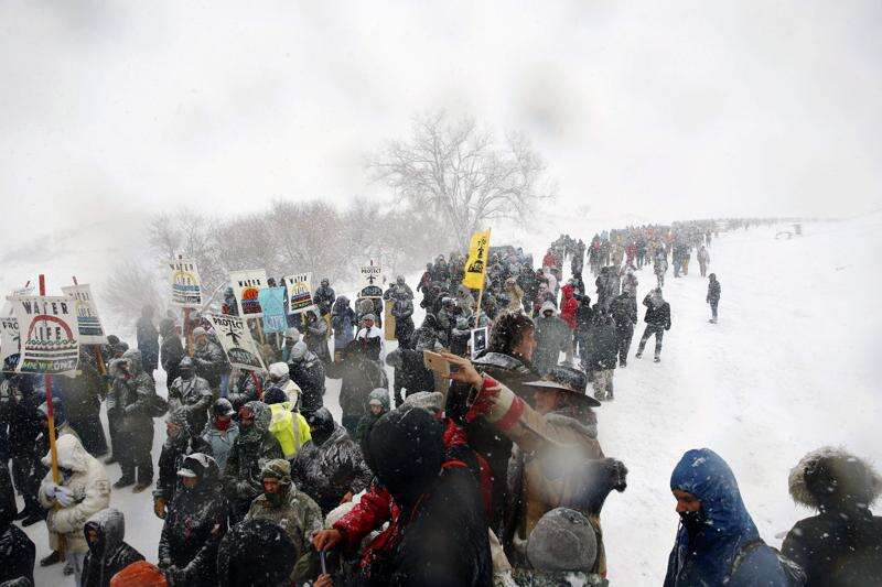 Sioux leader wants to meet with Trump over pipeline