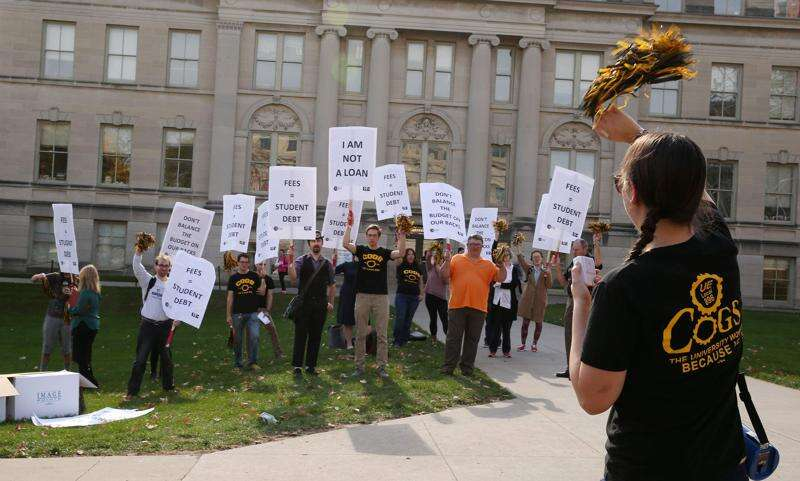 University of Iowa grad students demand more pay, no tuition or fees