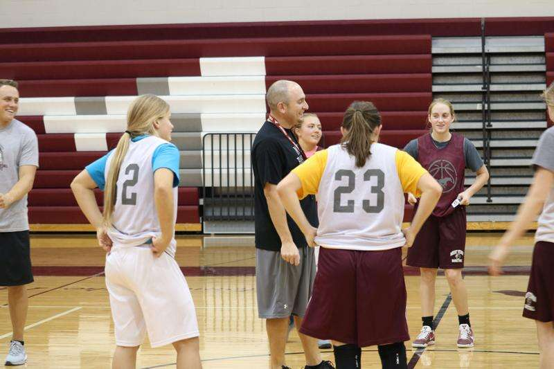 Mount Vernon girls' basketball excited for new direction, coach