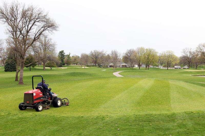 Pickleball, disc golf part of Cedar Rapids' plans for revamped Jones Golf Course