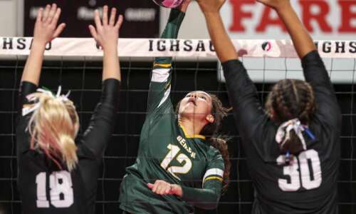 Le Mars Gehlen outlasts New London in 5-set state volleyball…