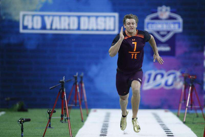Iowa tight ends Noah Fant and T.J. Hockenson dominated the NFL combine