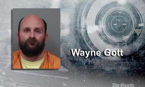 Cedar Rapids man took derecho repair jobs and money, but…