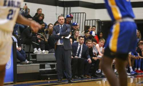 Buzzer-beater sinks Kirkwood in ICCAC men's basketball tournament semifinals