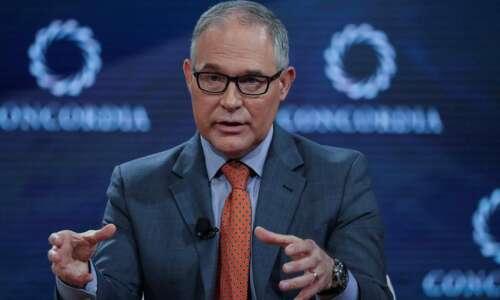 Iowa leaders challenge refinery ethanol exemptions