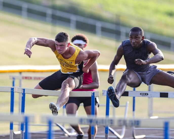 Cedar Rapids Kennedy, Linn-Mar and the boys' shuttle hurdle: A rivalry rooted in respect