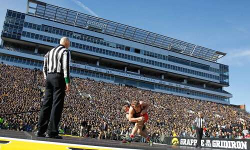 Iowa, Oklahoma State to wrestle in Bout at the Ballpark