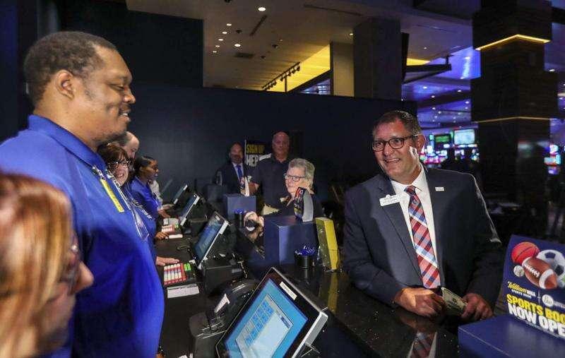 Internet opens Iowa's sports betting floodgate