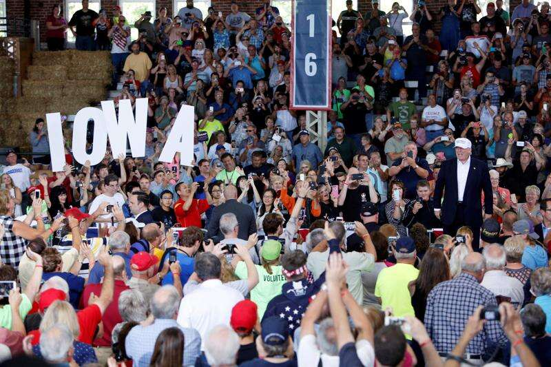 Trump leading Clinton in new poll of Iowans