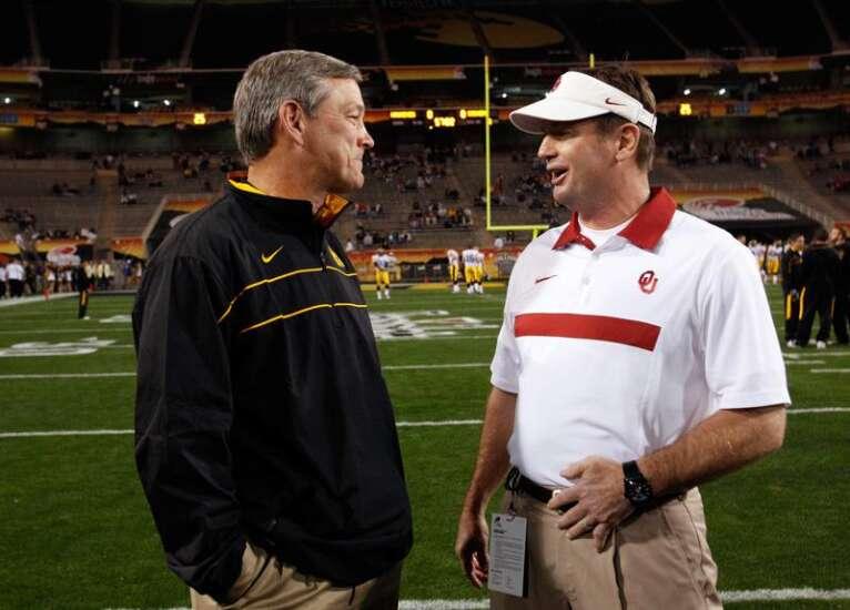 Bob Stoops is Iowa football's honorary captain for Miami (Ohio) game