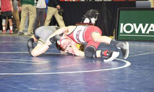 7 area wrestlers still alive for a state championship