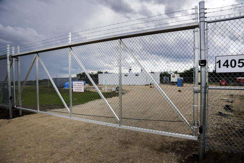 Cedar Rapids medical marijuana manufacturer closes, turns in state license