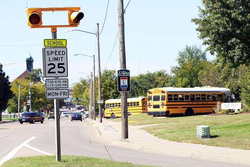 Why school zones no longer have flashing signals in Cedar Rapids