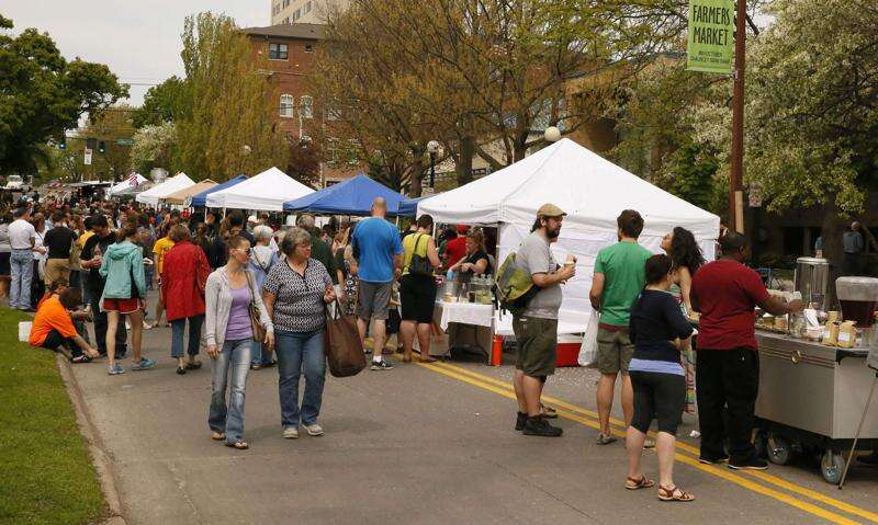 Coronavirus spike cancels plans to restart traditional farmers market in Iowa City; it will remain drive-thru for 2020