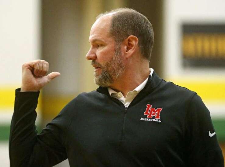 Linn-Mar advances past Prairie despite last-second foul in boys' basketball substate opener