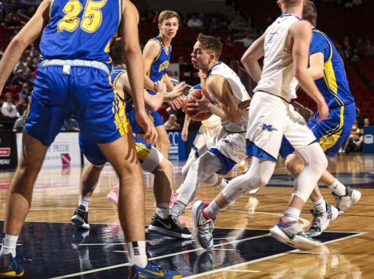 Montezuma is way undersized but good enough to reach boys' state basketball semifinals again