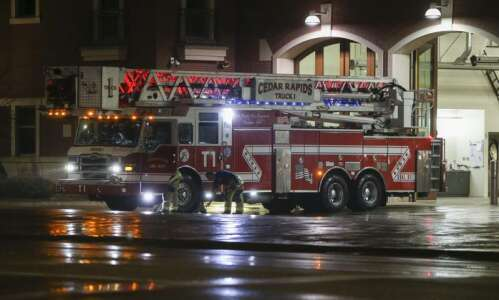 Firefighter, employees injured in fire at PMX Industries in CR