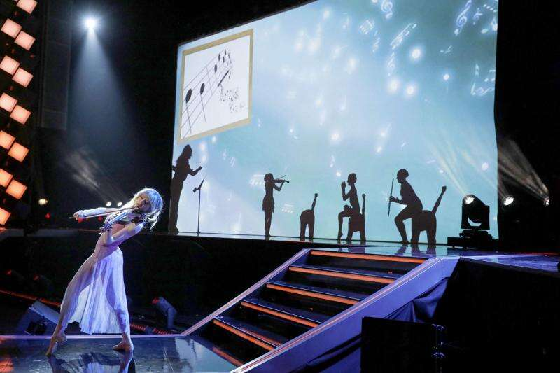 Silhouettes, directed by Cedar Rapids native spotlight family in television championship round