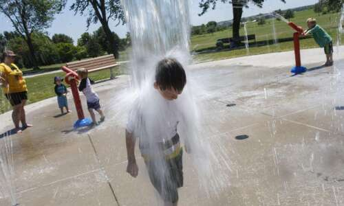 Iowa City announces pool, splash pad end-of-season schedule