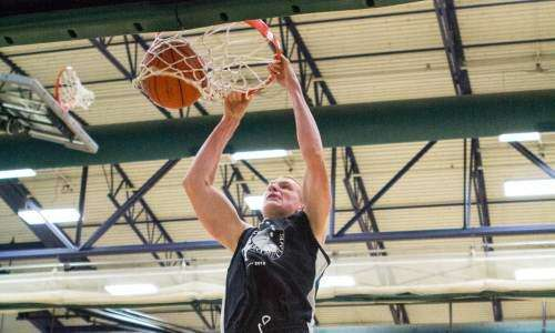 Iowa's Aaron White moves from locked out to leader